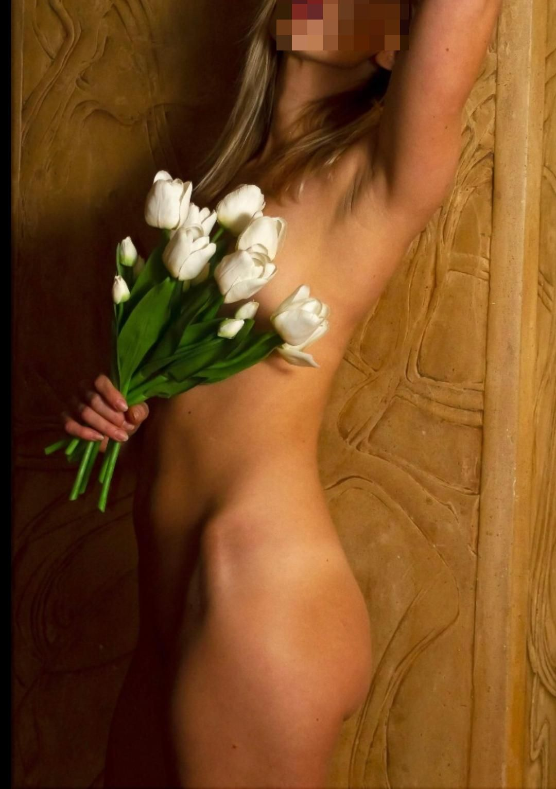 ivy delivers an amazing london erotic massage service