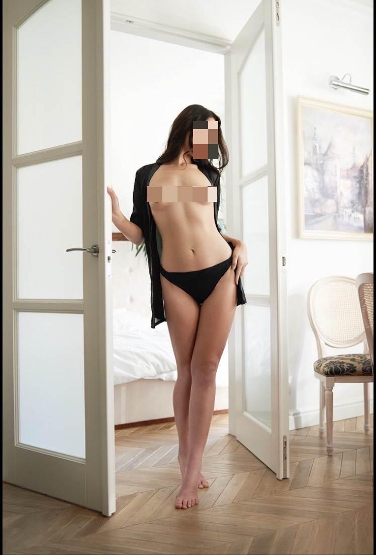 Nicole Pleasure 1