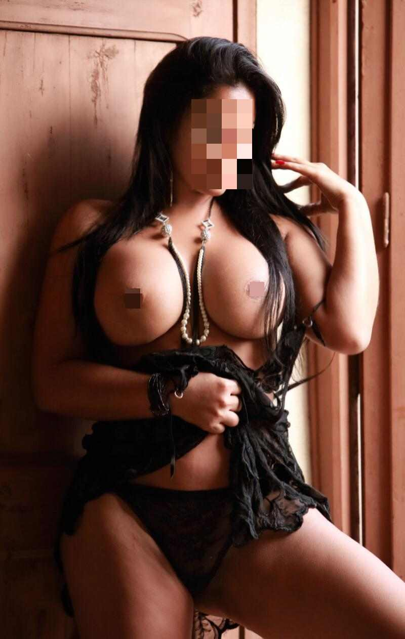 adriana for sensual and sexy tantric massage