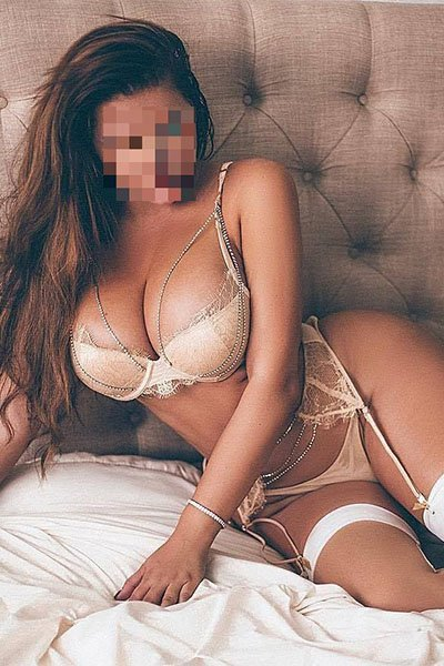 naomi is a body to body massage specialist for incall and outcall