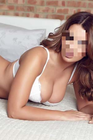 Rachel offers some of the most mindblowing massage in London
